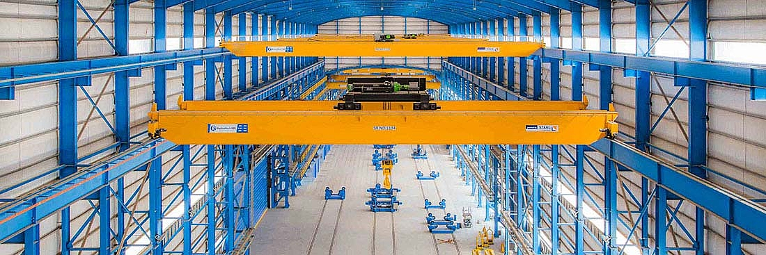 Using CraneKits from STAHL CraneSystems, ElectroMech built a total of 29 cranes, including two cranes with a lifting capacity of 150 tonnes and two portal cranes with a lifting capacity of 10 tonnes. All crane systems are equipped with an anti-swing function.