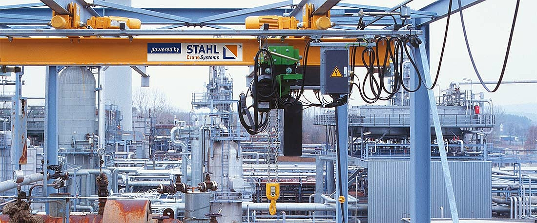 ST Ex chain hoist in outdoor industrial use.