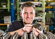 Student engaged in practical work at the STAHL CraneSystems plant in Künzelsau