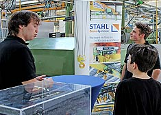Pupils on placement learn in the STAHL CraneSystems plant in Künzelsau